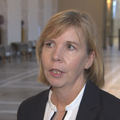 Anna-Maja Henriksson intervjuad i Rikssalen