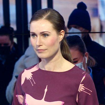 Sanna Marin vierailee Yle Uutisissa.