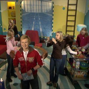 Vuoden 2005 vaihtumista Galaxin studiossa olivat Jarin lisäksi juhlimassa Galaxin tiimi ja Poinzi-ohjelman juontaja Ville.