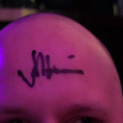 Matti Airaksisen nimikirjoitus kaljussa