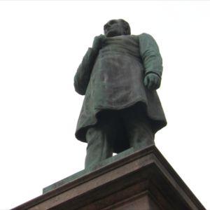 Walter Runebergin veistämä runoilija J. L. Runebergin muistopatsas, Helsinki.