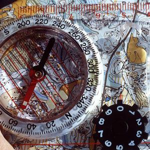 kuva kartasta ja kompassista