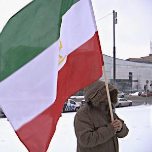 Demonstration utanför riksdagshuset mot utvisningar av asylsökande