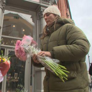 Susanne Byrne säljer blommor i Dublin.