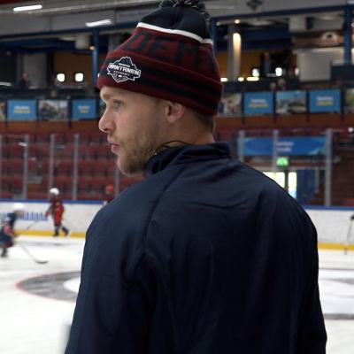 Mikko Rantanen jääkiekkoleirillään