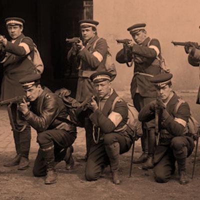 Valkokaartilaisia 1918