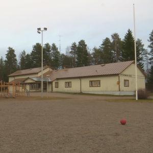 Petterinmäen koulu.