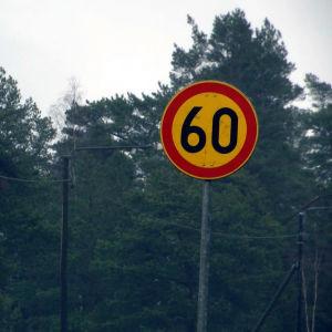 Trafikmärke i Horsbäck i Ekenäs.