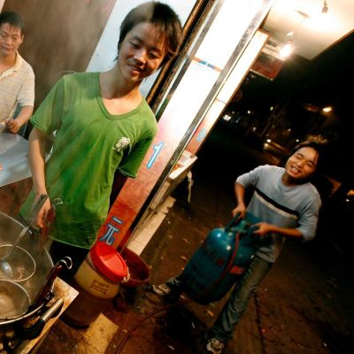 Kiinalaista pikaruokaa katukeittiössä