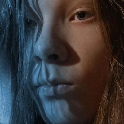 kuva nuoresta pojasta