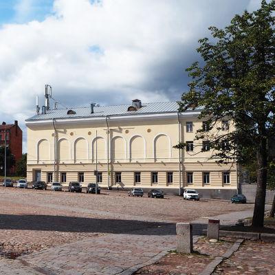 Viipurin Raatihuone kesällä 2019.