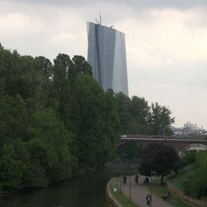 ECB:s skyskrapa är ett mäktigt bygge.
