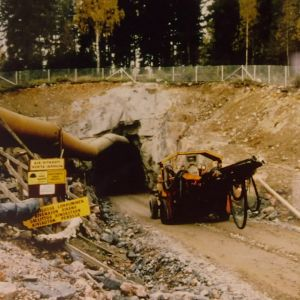Vattenledningen till södra Finland byggs.