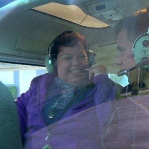 Eliabeth ser fram emot flygturen.