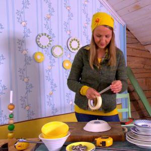 Lee förbereder porslinet