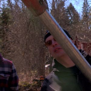Ny påle skruvas fast i grävskopan.