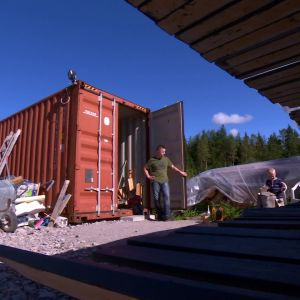 Familjen i Malax har stor nytta av en container på gården.