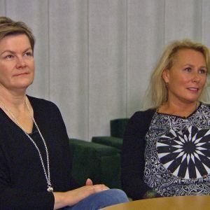 Raakel Shapcott (vas) ja Nina Heinikoski ihmettelevät, miksi julkisesta sektorista tuli kikyn maksumies.