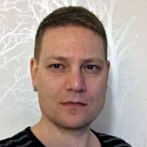 Yle TV2:n verkkotoimittaja Miika Jalonen
