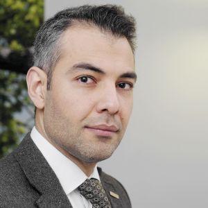 Hussein al-Taee jobbar för CMI.