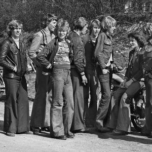 Kuvassa nuoria vuodelta 1975.