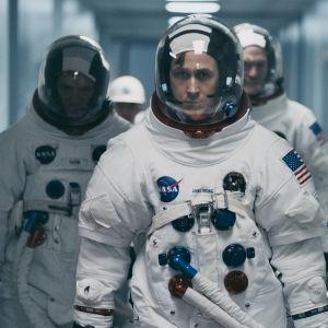 Ensimmäisenä kuussa elokuvassa Ryan Gosling