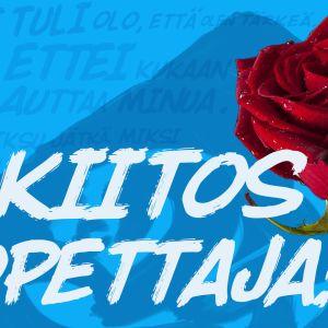 Sinisellä pohjalla punainen ruusu ja teksti Kiitos opettaja