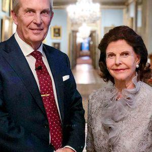 Kuningatar Silvia kertoo syntymäpäivähaastattelussa elämästään. Haastattelijana Claes Elfsberg.