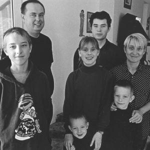Helena Třeštíkován dokumenti A Marriage Storyn perhe yhteiskuvassa.