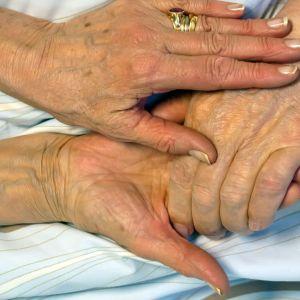 Åldriga händer