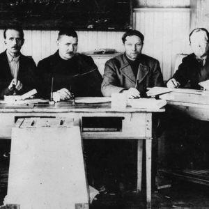 Kunnallisvaalitoimitsijoita Nivalassa 1920