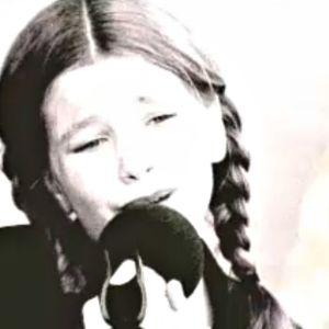 Mandi Lampi laulaa