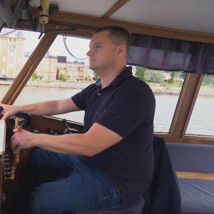 man kör båt