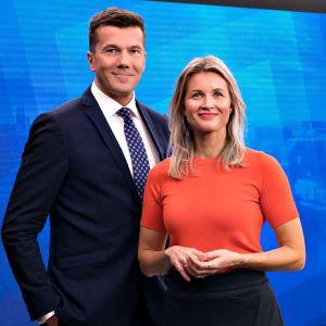 Ylen aamun uutisankkurit Tommy Fränti ja Milla Madetoja