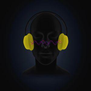 Hahmo kuuntelee kuulokkeilla ääntä.