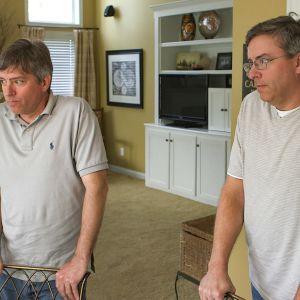 Identtiset kaksoset Doug ja Howard saivat tietää toisistaan vasta aikuisiällä.