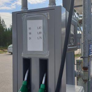 Suomen korkeimmat polttoaineiden hinnat löytyivät heinäkuussa Kaamasesta Lapista. Jo ennen elokuun alun veronkorotusta esimerkiksi 95:n litrahinta oli 1,87.
