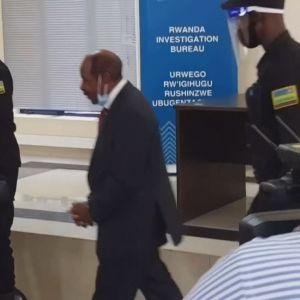 Paul Rusesabagina visas upp för medier i Rwanda 31.8.2020