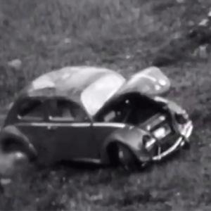 Volkkari syöksyy rinnettä alas ja vaurioituu.