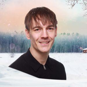 Kevin Holmström mot en grafisk vintrig bakgrund.