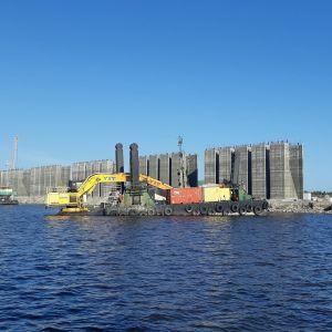 Kemin Ajoksen satamaan rakennetaan uutta massiivista laituria, josta tulee 400 metriä pitkä.