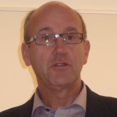 Stadsfullmäktigeordförande Sture Söderholm (SFP) från Hangö.