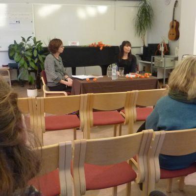 Vasa Littfest, Kristina Skjäl intervjuar författaren Hannele Mikaela Taivassalo.