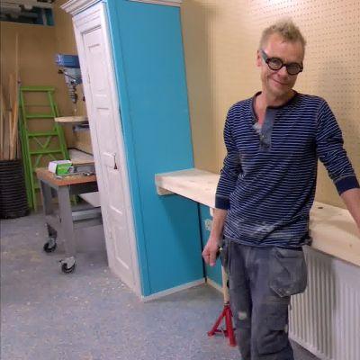 Jims nya arbetsbänk med integrerat skruvstäd