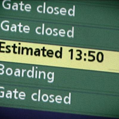 Lähtöaikataulu lentokentällä