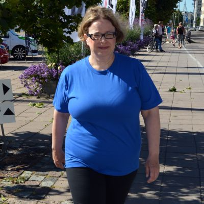 Turun vapaa-aikatoimenjohtaja Minna Sartes sai kuntoilukärpäsen pureman reilu vuosi sitten.