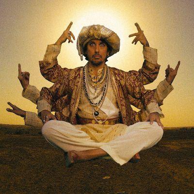 Kuva Sami Yaffa – Sound Tracker -sarjan toiselta tuotantokaudelta, jossa Yaffa kävi muun muassa Intiassa.