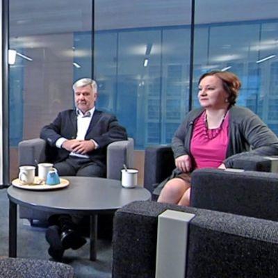 Pekka Autio, Toimi Kankaanniemi ja Anne Kalmari Yle Jyväskylän Nettistudiossa.