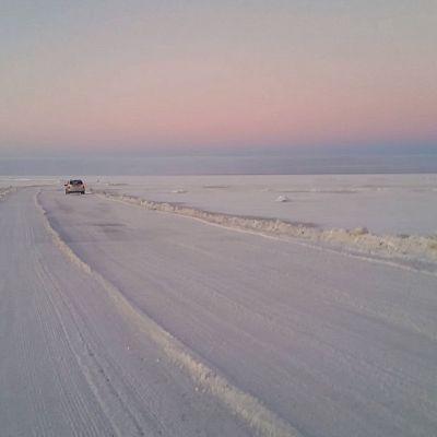 Hailuodon jäätie saatiin uudestaan avattua liikenteelle 5.2.2016.