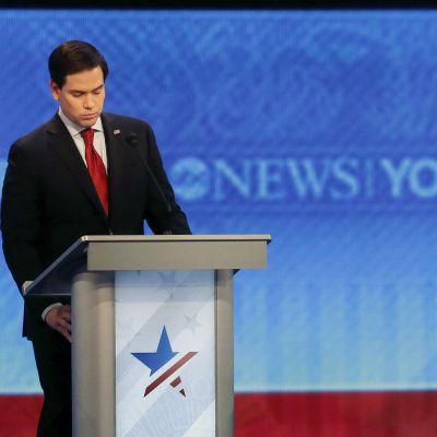 Marco Rubio ja Donald Trump osallistuvat vaaliväittelyyn.